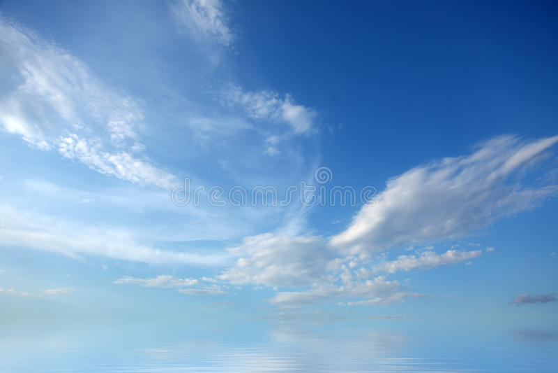 Nuvens abstratas bonitas da natureza para o fundo fotografia de stock