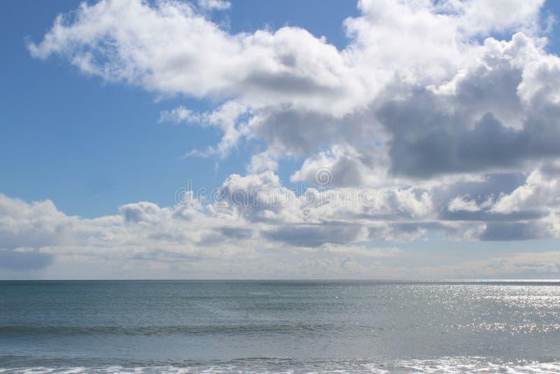 Nuvens acima do mar fotografia de stock