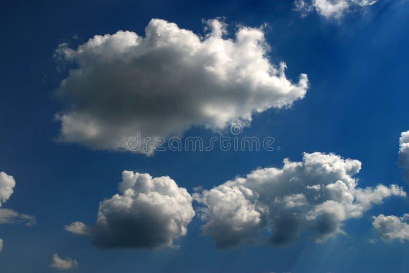 Nuvens afiadas imagem de stock royalty free