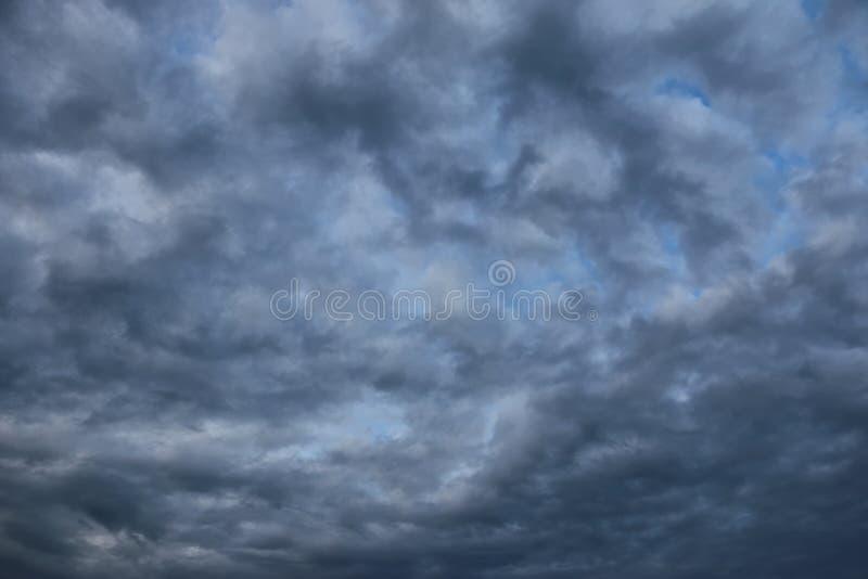 Nuvens artísticas imagens de stock royalty free