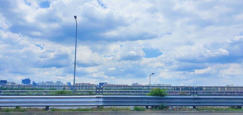 Nuvens bonitas no c?u fotografia de stock royalty free