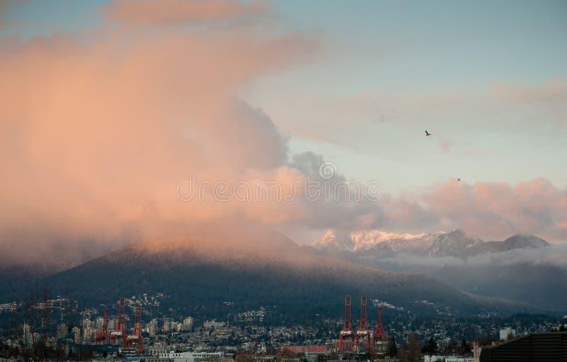 Nuvens cor-de-rosa, montagem Seymour imagens de stock royalty free