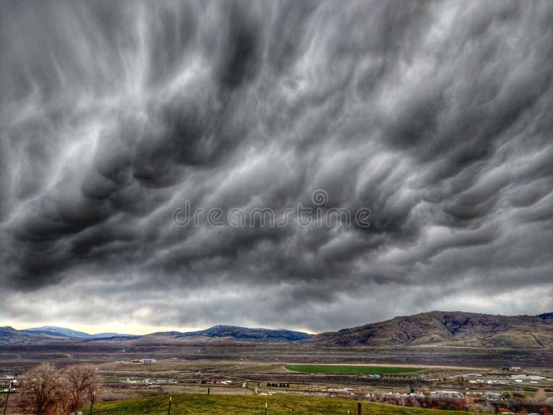 Nuvens das obscuridades fotografia de stock royalty free