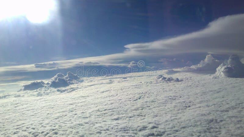 Nuvens de acima imagem de stock