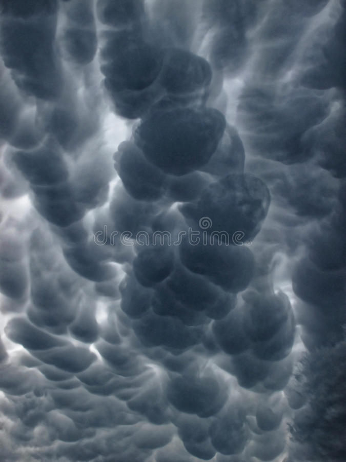 Nuvens de Mammatus imagem de stock