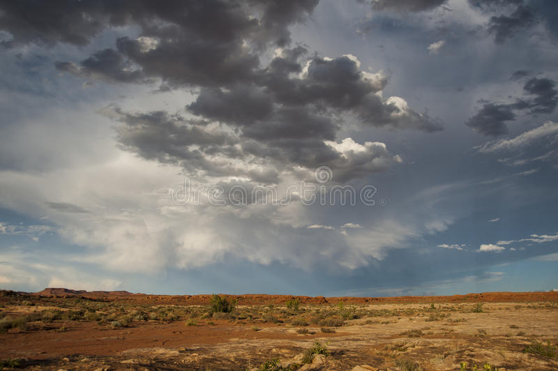 Nuvens de tempestade do deserto fotos de stock royalty free