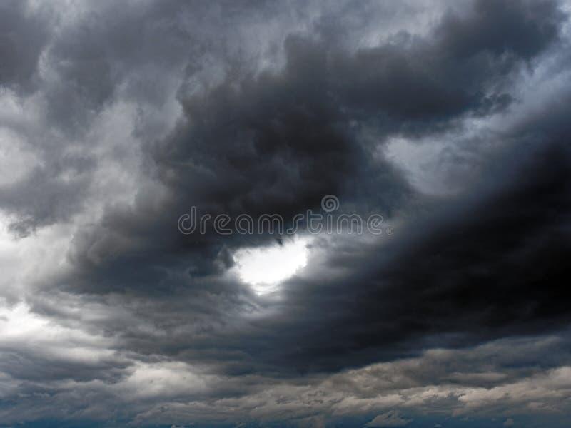 Nuvens de tempestade pretas foto de stock royalty free