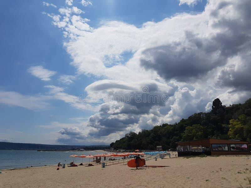 Nuvens de Varna foto de stock