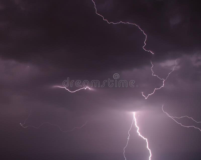 Nuvens do céu do parafuso de relâmpago SS141 foto de stock royalty free