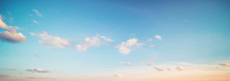 Nuvens do céu do verão foto de stock royalty free