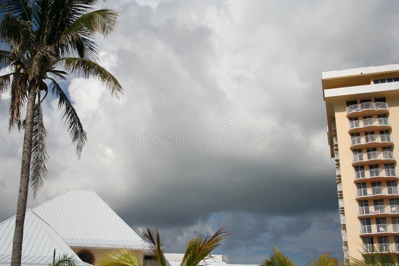 Nuvens do furacão sobre Bermuda fotografia de stock