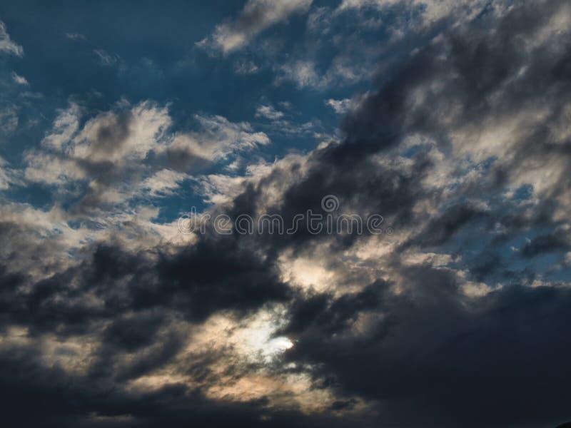 Nuvens dos plenos verões de Montana imagem de stock royalty free