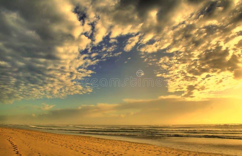 Download Nuvens e mar imagem de stock. Imagem de oceano, céu, restful - 10054217