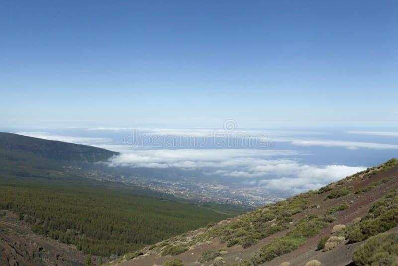 Nuvens e montanhas em Tenerife fotos de stock royalty free