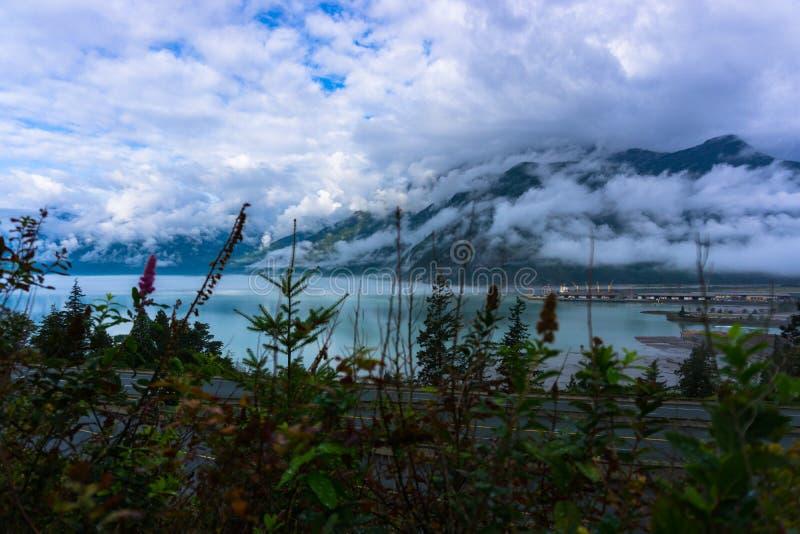Nuvens e oceanos imagem de stock