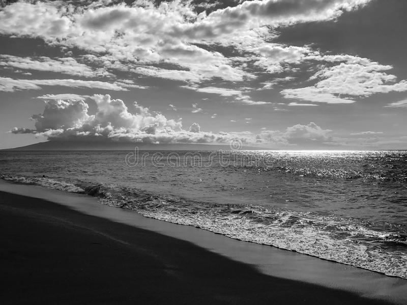 Nuvens entre Maui e Molokai foto de stock royalty free