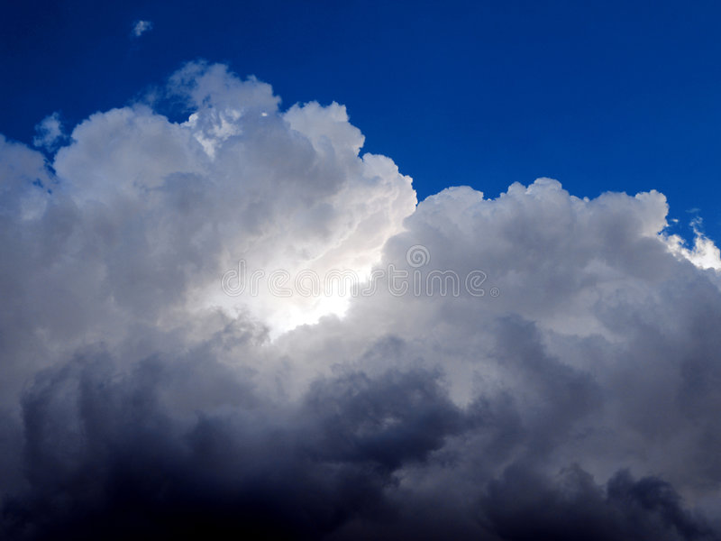 Nuvens escuras imagens de stock