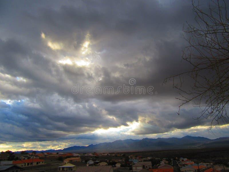 Nuvens escuras fotografia de stock