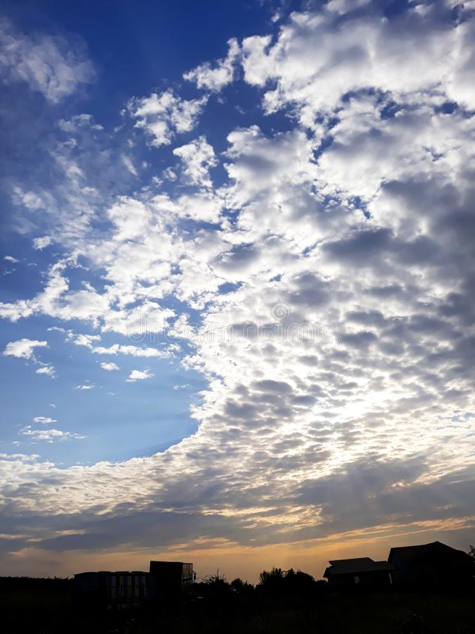 Nuvens espectaculares fotografia de stock royalty free