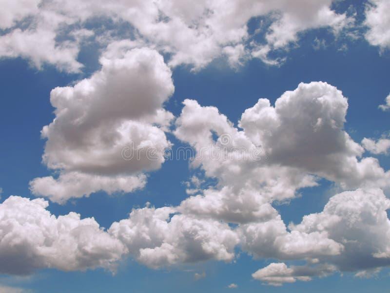 Nuvens inchado fotografia de stock royalty free