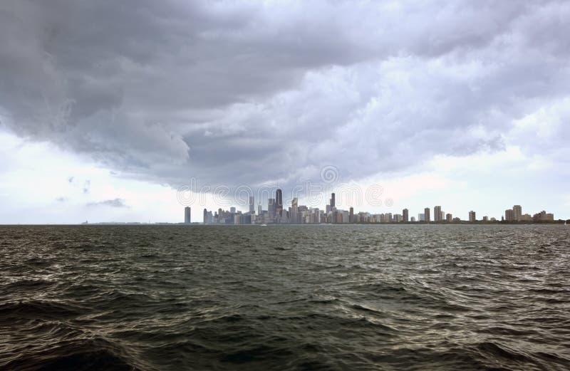 Nuvens loucas sobre Chicago foto de stock royalty free
