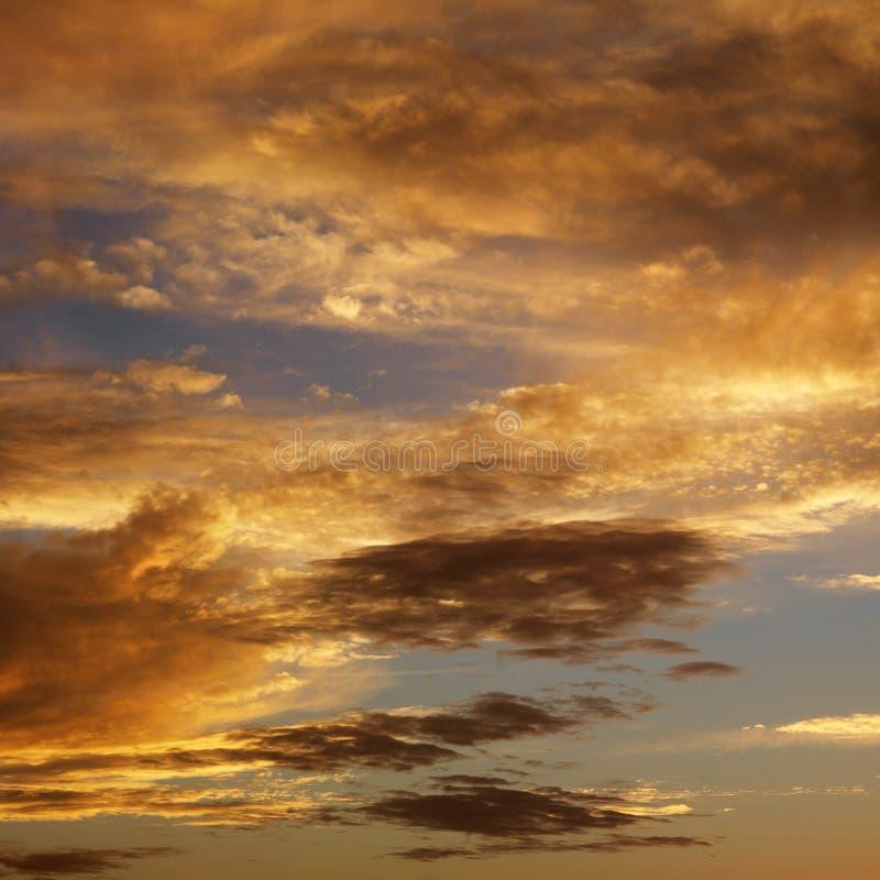 Nuvens no céu com por do sol. fotos de stock royalty free