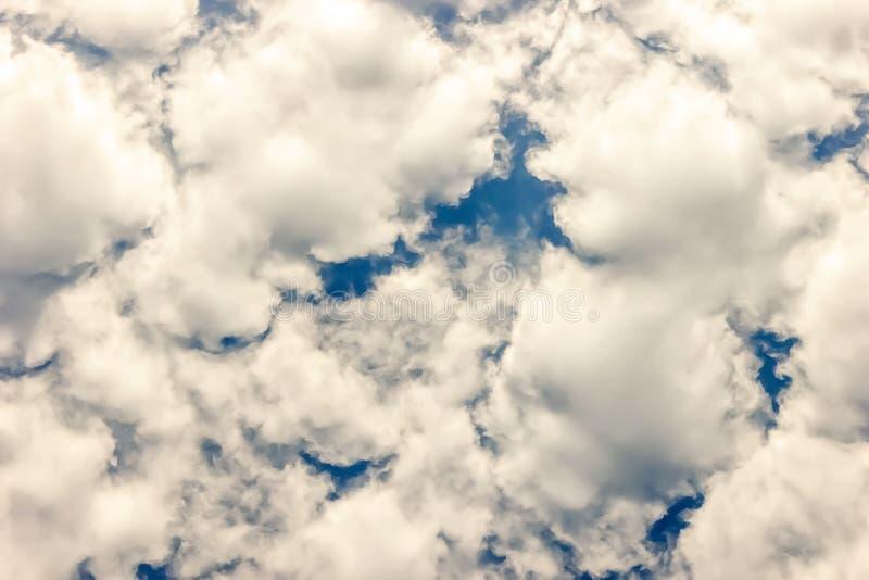 Nuvens no céu, fim acima imagens de stock royalty free