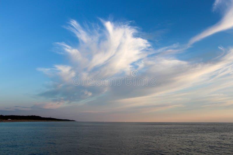 Nuvens no mar Báltico imagens de stock royalty free