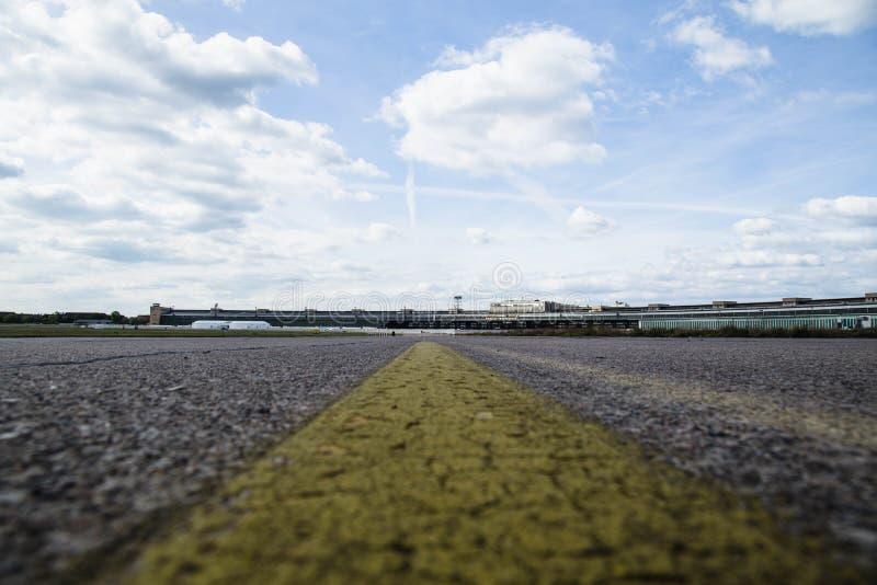 Nuvens sobre Tempelhof fotografia de stock royalty free