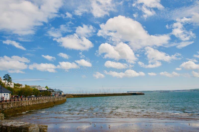 Nuvens sobre Torbay imagens de stock