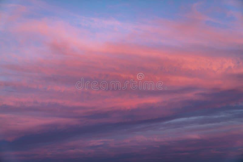 Nuvens surpreendentes do por do sol imagem de stock royalty free