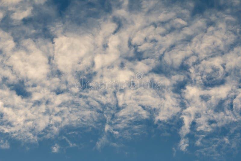 Nuvole bizzarre fotografia stock