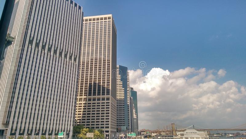 Nuvole circostanti fotografie stock