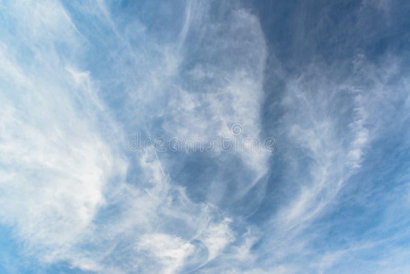 Nuvole con cielo blu fotografia stock