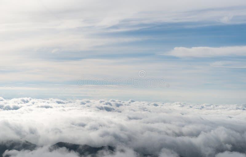 Nuvole dall'aereo immagini stock