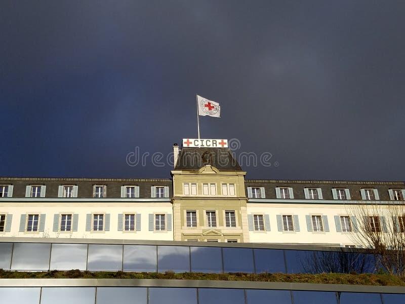 Nuvole di bufera si avvicinano alla sede del Comitato Internazionale della Croce Rossa immagine stock libera da diritti