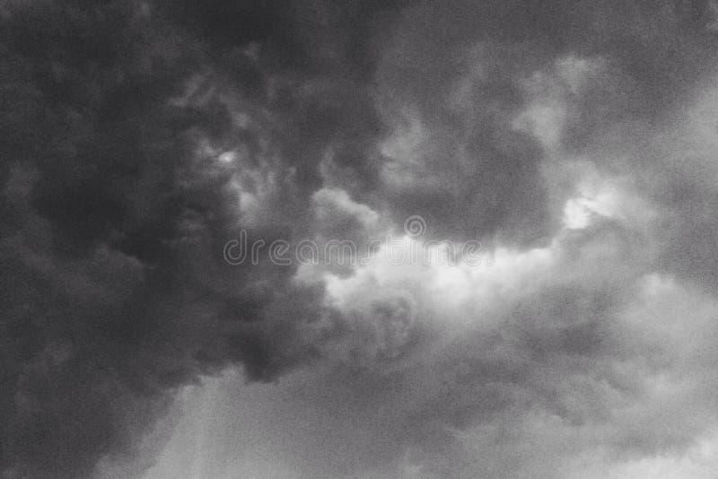 nuvole di contrasto immagini stock libere da diritti