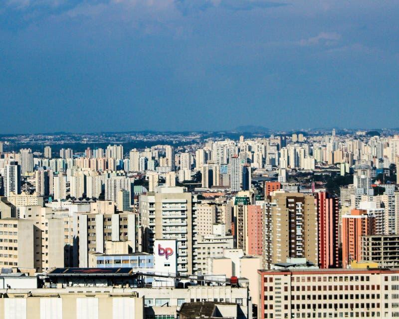 Nuvole di Sao Paulo del viale del Brasile Paulista fotografia stock libera da diritti