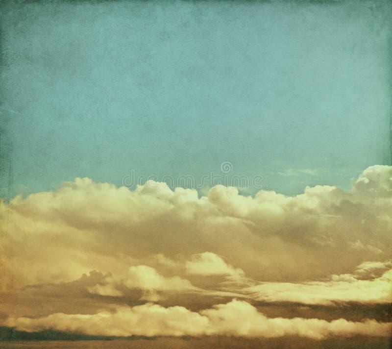 Download Nuvole Di Tempesta Dell'annata Fotografia Stock - Immagine di nave, chiazzato: 28576014