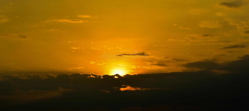 Nuvole e cielo nell'alba fotografia stock