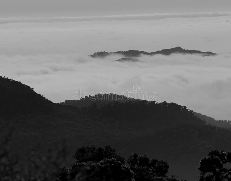 Nuvole nelle montagne, Panama fotografia stock