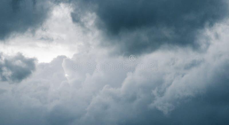 Nuvole operate fotografia stock libera da diritti