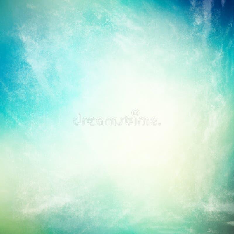 Nuvole su un fondo di carta d'annata strutturato fotografia stock libera da diritti