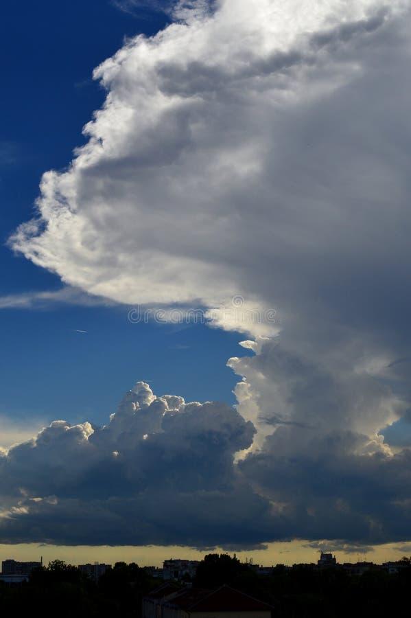 Nuvole tempestose, grandine fotografie stock libere da diritti