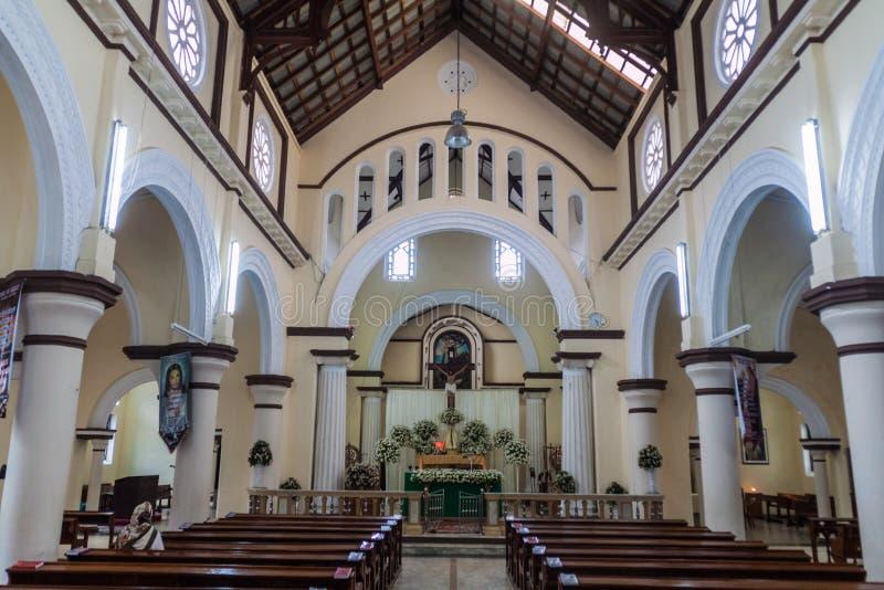 NUWARA ELIYA, SRI LANKA - 16. JULI 2016: Innenraum von Römisch-katholischer Kirche St. Xavier in Schleppseil Nuwara Eliya lizenzfreie stockfotos