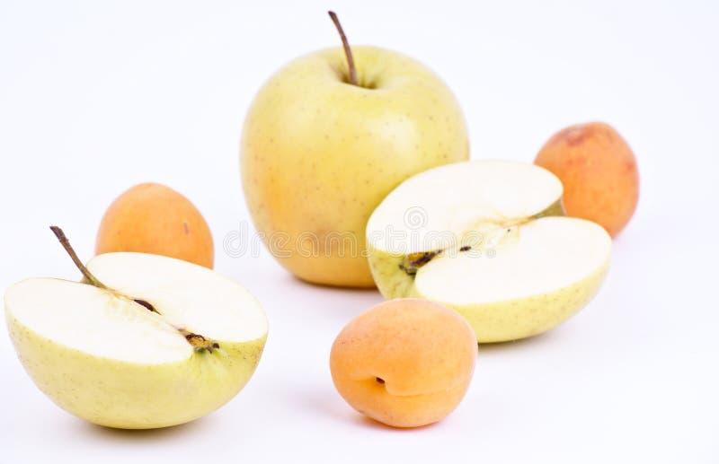 Download Ny äppleaprikos arkivfoto. Bild av yellow, friskhet, nytt - 19789208