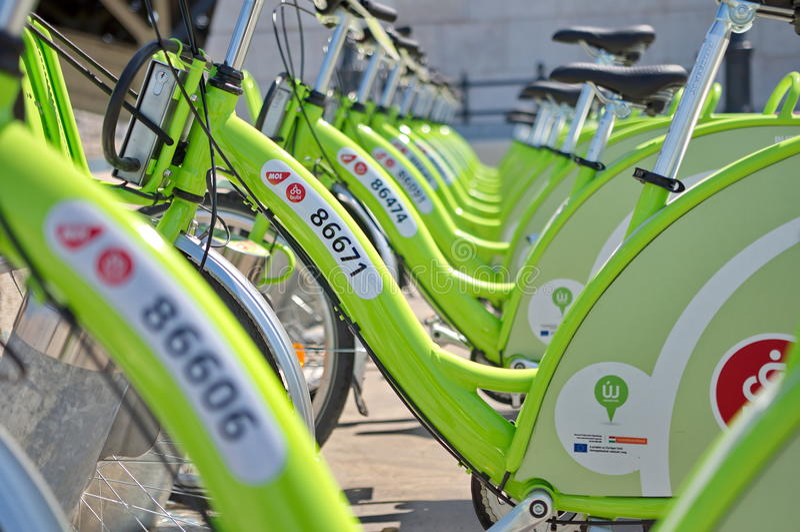 Ny Budapest cykelhyra kallade BUBI arkivbild
