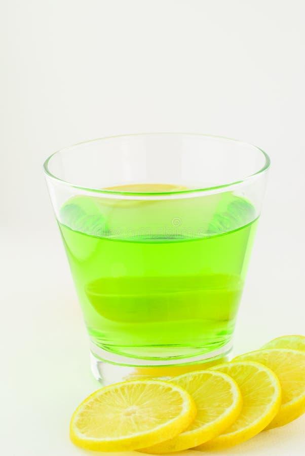 Ny citron och citrondrink royaltyfri fotografi