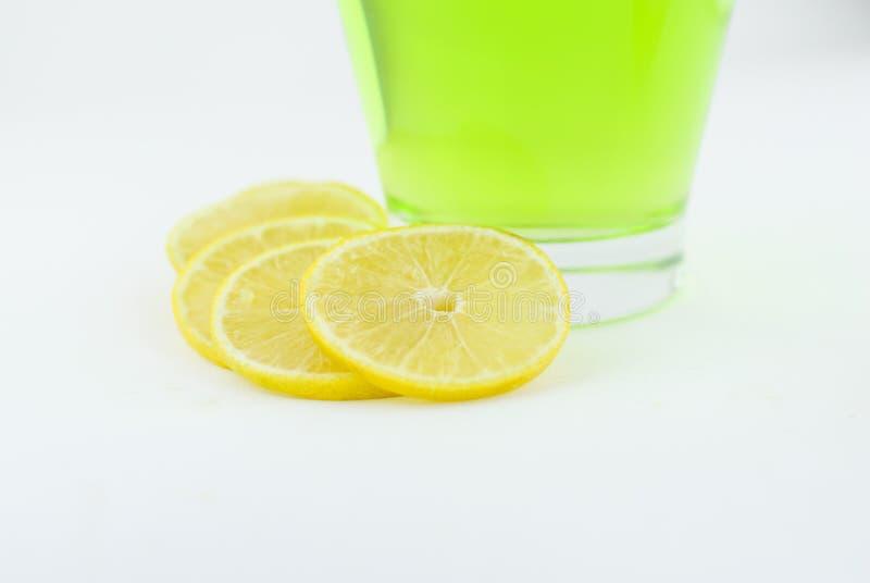 Ny citron och citrondrink arkivbild