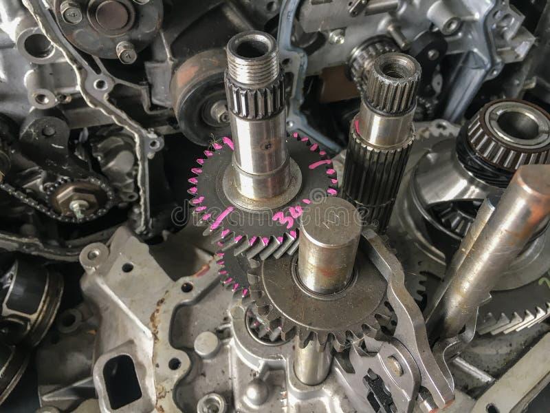 Ny Eco bilmotor med skyddsremsor för shaftgearhjullager royaltyfria foton